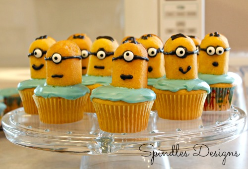 Minion Cupcakes by Spindles Designs #minioncupcakes